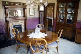 Pennsylvania House Dining Room Table Pa Couple Struggles To Sell Silence Of The Lambs House The
