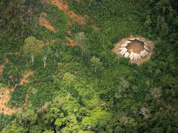 Photographer captures images of uncontacted ancient Amazon tribe.