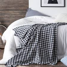 medium size of pillows and throws modern throws ivory bed throw c colored throw blanket comfortable