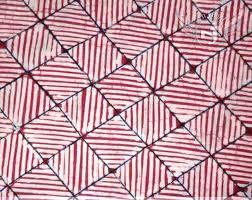 Ganmbar diatas merupakan gambar batik pola yang bisa anda coba dirumah atau bisa dijadikan. Unduh 100 Gambar Batik Geometris Yang Mudah Digambar Terbaik Gratis