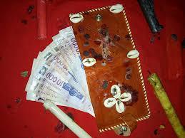 3-Porte feuille magique qui donne 50.000€ par jours pendant 9 mois