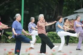 Kết quả hình ảnh cho bệnh xương khớp ở người cao tuổi