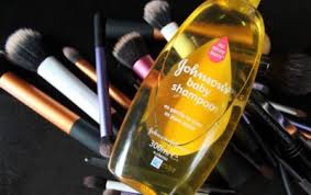 how to clean makeup brushes with baby shampoo. baby shampoo and comb how to clean makeup brushes with