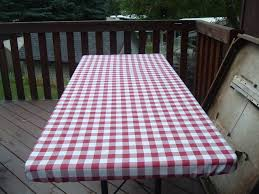 checked patterned fitted tablecloths for picnic table decoration ideas