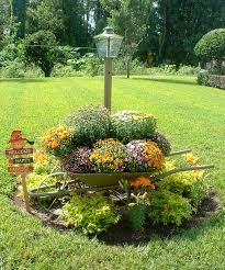 Fall Landscaping Fall Yard Decoration Ideas Yards Front Yards And Fall Displays