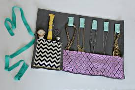 from a placemat to a jewelry organizer perfect for traveling great idea