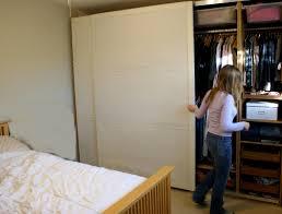 Sliding Mirrored Closet Doors For Bedrooms Large Sliding Closet Door With Mirror For Bedroom Decofurnish
