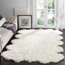 white shag rug in bedroom. Safavieh Hand-woven Sheepskin Pelt White Shag Rug (6\u0027 Square) (SHS211A-6SQ), Size 6\u0027 X (Wool, Solid) In Bedroom