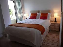 small bedroom ideas with queen bed. Perfect Queen Size Bed For Small Bedroom Ideas With Contemporary Table Lamps And Classic Nightstand