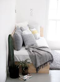 diy daybed couch best 25 daybeds ideas on room and 19