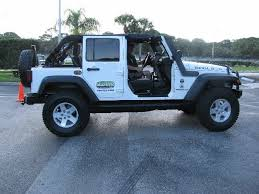 i like it with the front doors off and the top on to keep the hot florida sun off my head