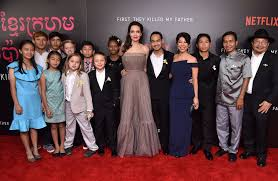 angelina jolie accompanied by kids at first they killed my father  joining the director and star were all six of her children shiloh 11 zahara 12 9 year old twins knox and vivienne as well as pax 13 and maddox 16