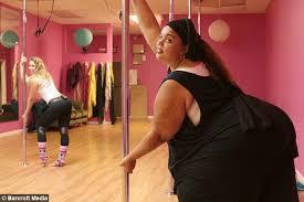 Fat wide ass dancing