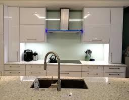 Shiny White Kitchen Cabinets Kitchen Backsplash Shiny White Glass Tiles Backsplash In Grid