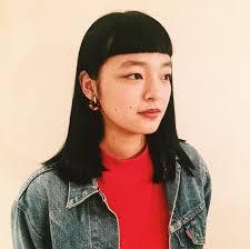 個性的黒髪ストレートgimmick Jiyugaoka所属小川晴子のヘアカタログ