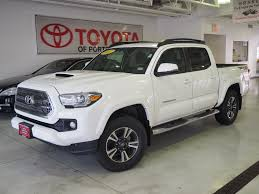 Used 2017 Toyota Tacoma For Sale | Portsmouth NH | 5TFCZ5AN4HX079346