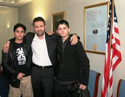 kite runner writework kite runner author khaled hosseini bahram and elham ehsas who acted in the film