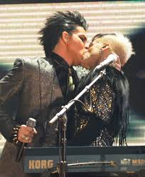 Adam lambert s gay kiss