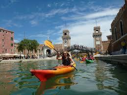 kayaking through the cs with venice kayak