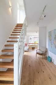 Treppen.de ist das treppenportal für die gezielte suche nach qualifizierten treppenherstellern für fertigteiltreppen in ihrer region. Flexibles Stadthaus Auf Kleinem Grundstuck Eco System Haus