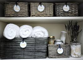 organizing linen closet diy round labels