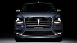 2018 lincoln navigator reserve. delighful lincoln behind the 2018 lincoln navigatoru0027s gleaming new whale shark maw is a  twinturbo 450 horsepower v6 and 10speed automatic transmission to lincoln navigator reserve