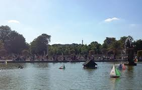 Vintage Toy Boats in Luxembourg Gardens - Secrets of Paris ...