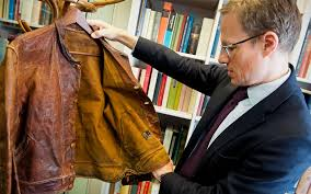 thomas venning 5 minutes with einstein s leather jacket