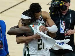 NBA: Antetokounmpo spektakulär - Milwaukee Bucks führen! - NBA - Basketball  - sportschau.de