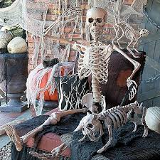 100s of Scary Decorations