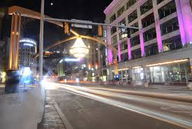 file cleveland playhouse square chandelier 14104596424 jpg
