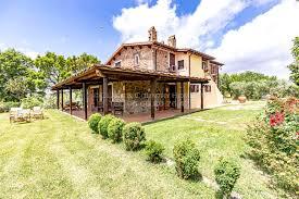 splendid farmhouse in tuscany immersed