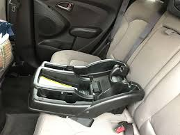 to install the car seat base set the base in the middle seat of the car as shown the base of the car seat should sit at a 30 45 degree angle when