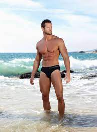 Ahh haha My friend Matus, where are your clothes? 😱 | Hot dudes, Men  beach, Male models