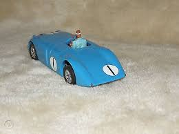 The use of elektron alloy in the body would not be discovered for another 76 years. Scalextric Classic Bugatti 57c Tank No 1 Le Mans 1939 Resin Body Kit Built 519790098