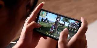 Here the user, along with other real gamers, will land on a desert island from the sky on parachutes and try to stay alive. Garena Free Fire And Call Of Duty Top Gainers After Ban On Pubg In India