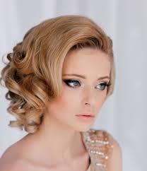 تسريحات الشعر لكل فستان تسريحة مجلة الجميلة