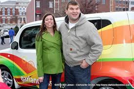 Amanda and Eric Huneycutt after winning the brand new Nissan Cube ...