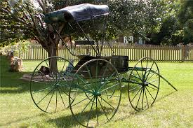 1900 BUGGY HORSE-DRAWN BUGGY