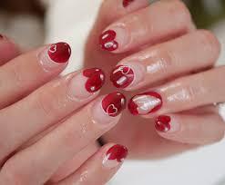 赤のラブリースパイスをプラスしよう赤のフレンチネイルデザイン集