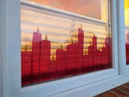 Weihnachtliche Fensterdeko Transparentpapier Kerzen Basteln