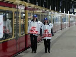 Die gleichen leute, die jetzt einklagen, dass sie mehr. S Bahn Streik Am Morgen Wartet Berlin Wirtschaft Tagesspiegel