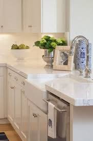 3 Simple Tips for Styling Your Kitchen Island | Blogger Home ...