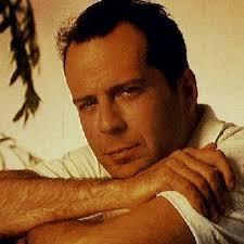 <b>Bruce Willis</b>, enfant, n&#39;était pas le plus fort dans la cour de récréation. - Bruce-Willis