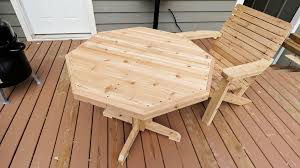 how to make a wooden patio table