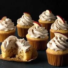 apple pie cupcakes with cinnamon ercream