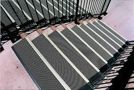 non slip stair treads aluminum