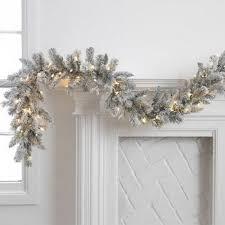 73 Beautiful Examples Of Scandinavian-Style Christmas Decorations. White  Christmas GarlandNordic ...