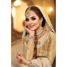 De traditie wil dat de bruid en bruidegom geschenken uitwisselen tijdens de kan een secret bridal shoot ook samen met de bruidegom? Latest Bridal Shoot Featuring Komal Meer Reviewit Pk
