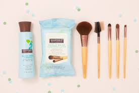 cleaning makeup brushes image